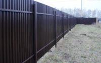 коричневый забор из профнастила