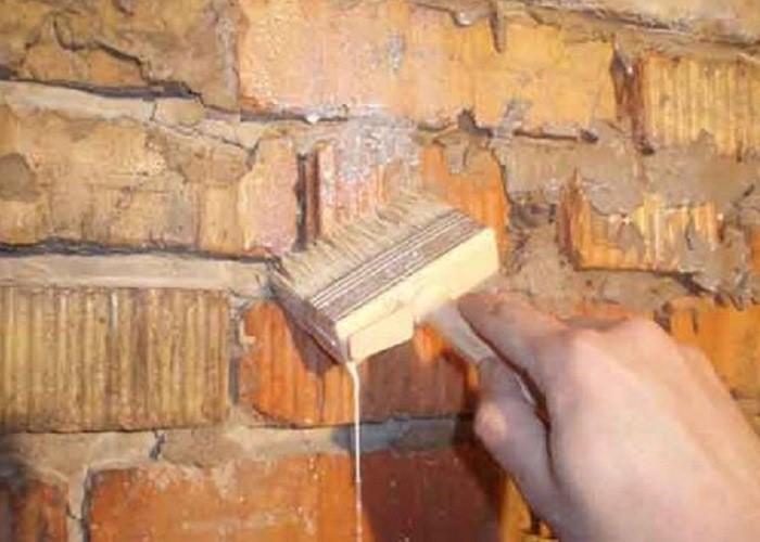 грунтовка на кирпичную стену
