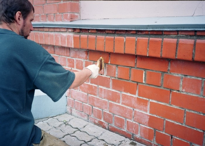 Чем отмыть кирпич от цементного раствора строительный шприц для раствора мерлен