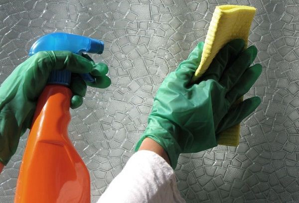 вытирать матовое стекло