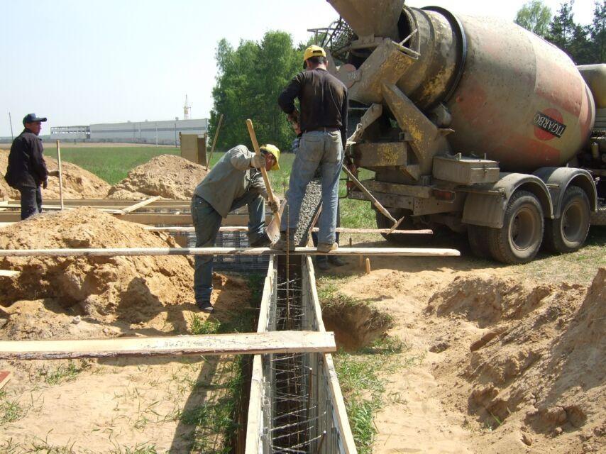 заливать бетон с бетономешалки