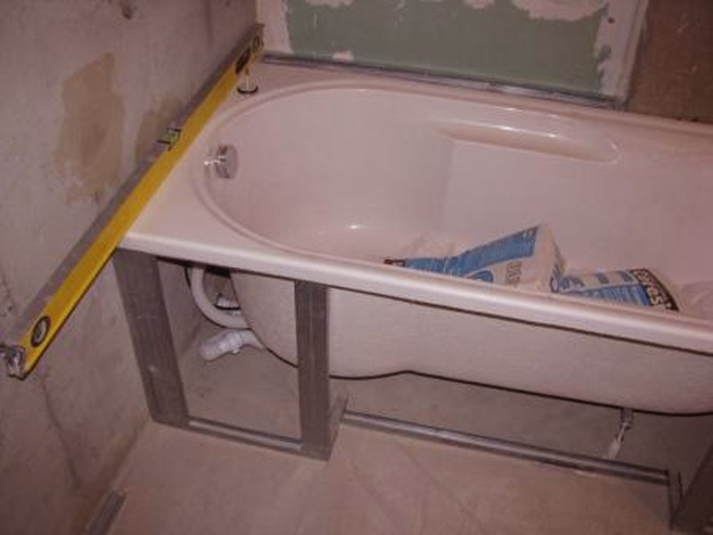 Установка экрана ванны своими руками