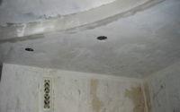 Как правильно отремонтировать потолок на кухне