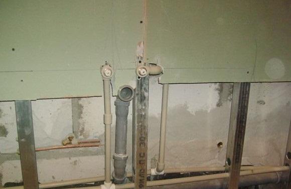 выравнивание стен в ванной гипсокартоном