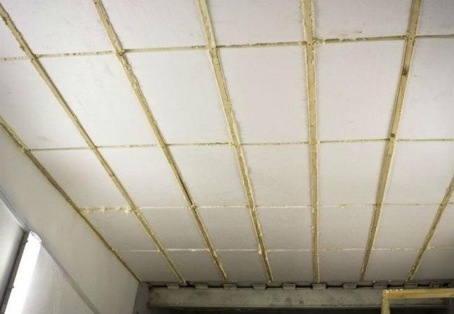 утеплить потолок пенопластом