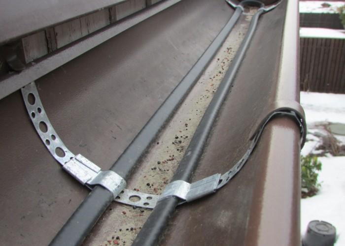 крепление нагревательного кабеля