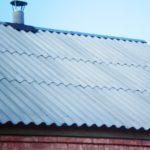 волновой шифер на крыше