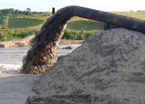 песок из русла реки