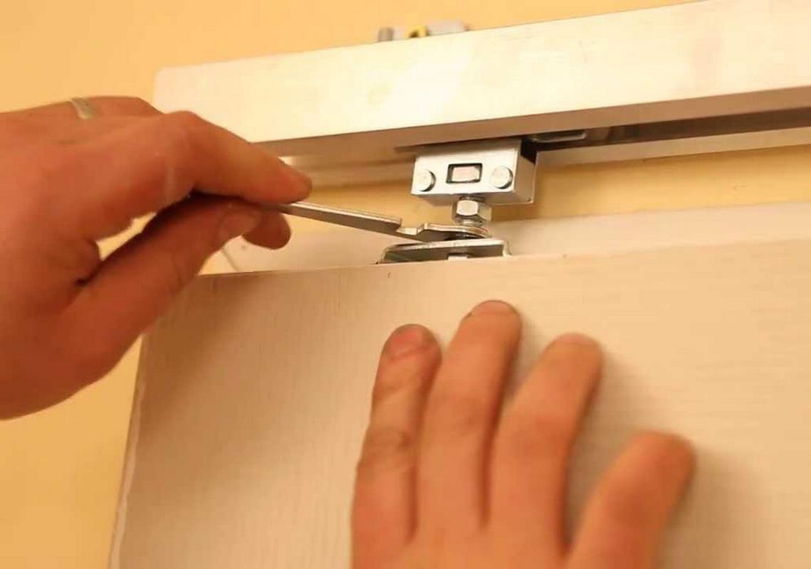 Монтаж направляющих для раздвижной двери