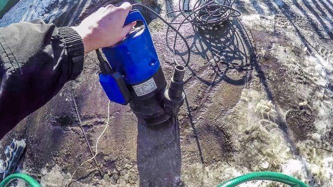 Насос для откачивание канализационных вод