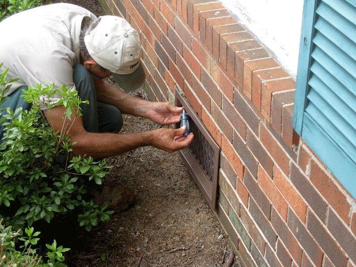Монтаж решетки для отдушины в фундаменте самостоятельно