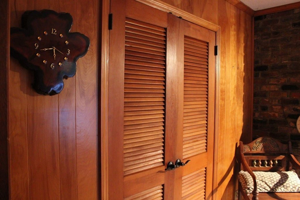 Жалюзийные двери для гардеробной