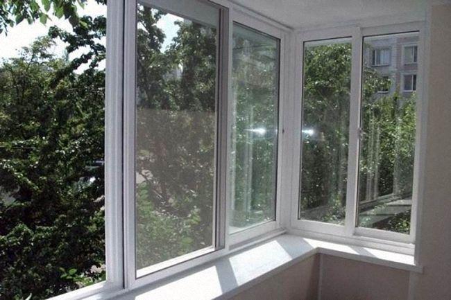 Пластиковые рамы остекление балкона собственноручно