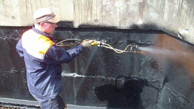 Прогрев газовым факелом битумной гидроизоляции