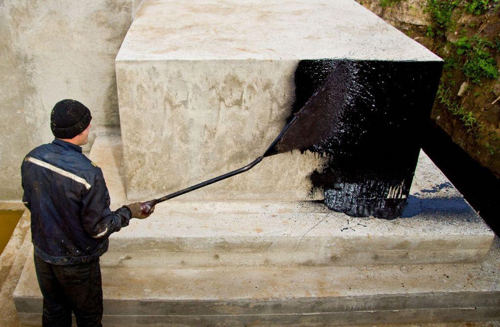 гидроизоляция стен битумной мастикой