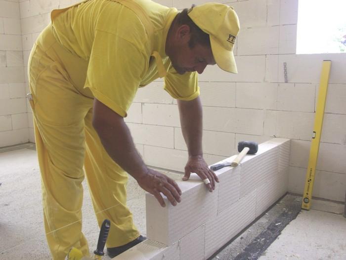 Монтаж перегородки из газобетонных блоков своими руками