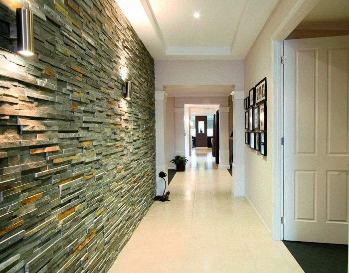 Отделка стен в коридоре декоративным камнем