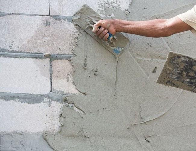 Выравнивание стен оштукатуриванием